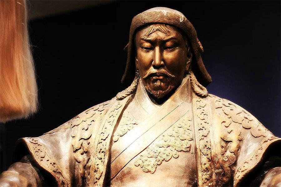 Cengiz Han, yaşadığı süre içinde, o kadar çok kan döktü ki Müslüman ve Hristiyanlar onun deccal olduğuna inandılar.