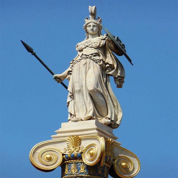 Athena'nın tasviriyse oldukça ilgi çekici ögeler barındırmaktadır. Zırh, miğfer ve aegis adı verilen kalkanın bulunduğu tasvir Athena'ya duyulan saygıyı gösterir nitelikte.
