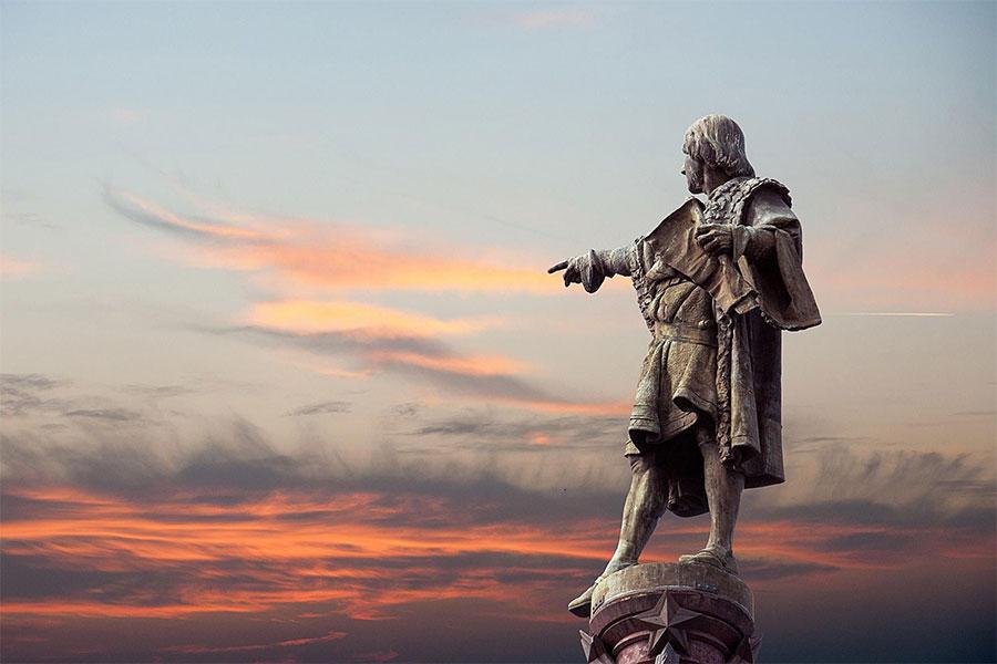 31 Ekim 1451 Cenova'da doğan Kolomb, May 20, 1506 Kastilya, İspanya'da hayatını kaybetti.