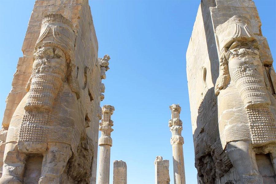 Kentle ilgili tarihi kaynaklar, şehrin içinde bulunan kil tabletler üzerindeki çivi yazısıyla başlamaktadır.