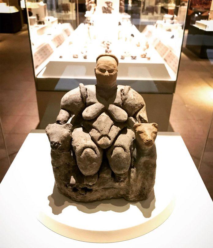 Çatalhöyük Heykelleri, Anadolu Medeniyetleri Müzesi, Anakara - Görsel: irmakozer.com