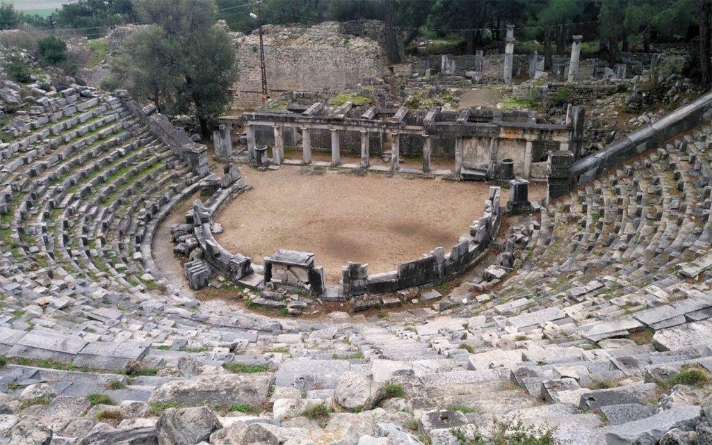 Priene Antik Kenti, tiyatro ve tapınaklar
